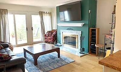 Living Room, 950 Cove Rd C8, 1