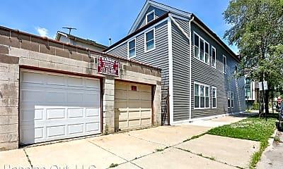 Building, 2501 W Cortland St, 2