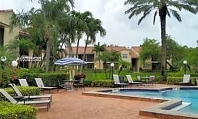 Pool, 1237 SW 46th Ave 804, 2