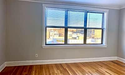Living Room, 4722 N Kedzie Ave, 1