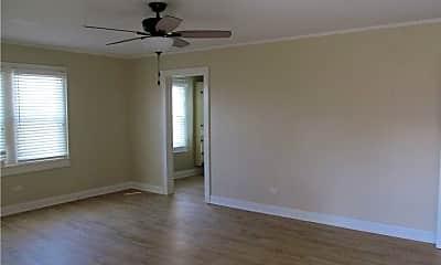 Bedroom, 208 N Russ Ave, 1