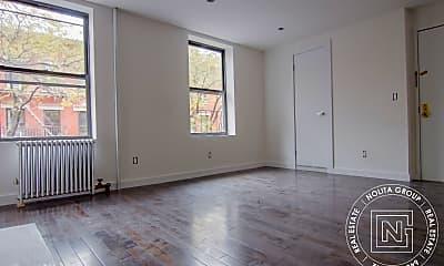 Living Room, 176 Elizabeth St, 2