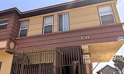 Building, 108 E 47th Pl, 0