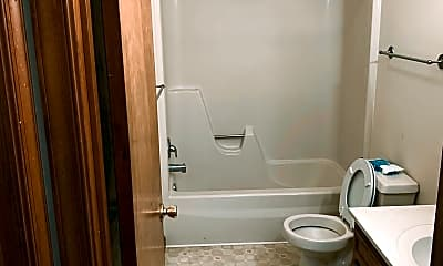 Bathroom, 109 Marshall St, 2