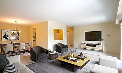 Living Room, 1515 E Central Rd, 1