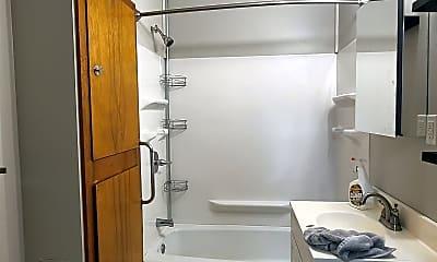 Bathroom, 830 Rhomberg Ave, 0