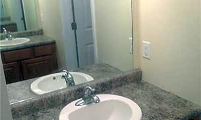 Bathroom, 911 E Gibbon St, 1