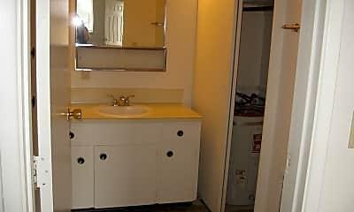 Bathroom, 2507 E Mill Plain Blvd, 2