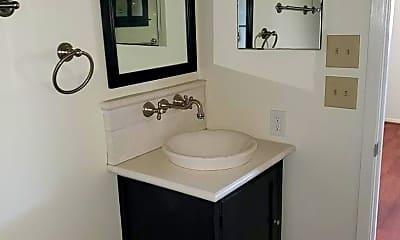 Bathroom, 1256 Cougar Dr, 1