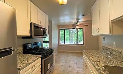 Kitchen, 8703 Hayshed Ln 31, 1