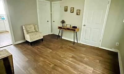 Living Room, 3305 N Laura St, 2