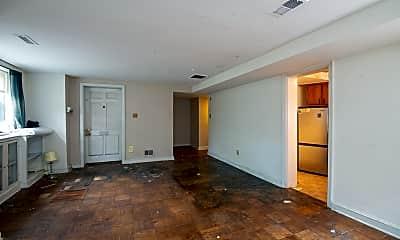 Living Room, 520 2nd St SE, 1