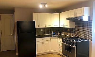 Kitchen, 6089 Amboy Rd 2, 2