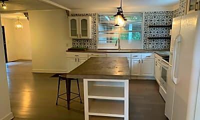 Kitchen, 1141 Graham Dr, 1