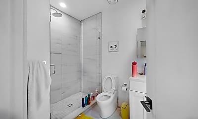 Bathroom, 134 Chelsea St., #3, 2
