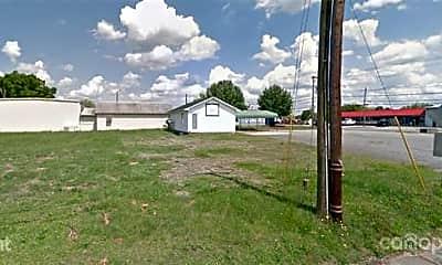 Building, 2509 E Main St, 2