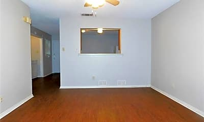 Living Room, 625 Wolftrap Dr, 1