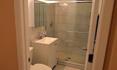 Bathroom, 1404 N Ashland Ave, 2