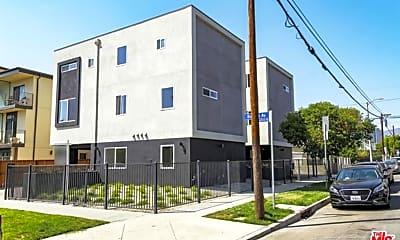 Building, 951 N El Centro Ave, 2