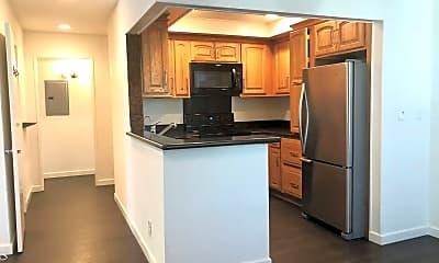 Kitchen, 12830 Burbank Blvd, 1