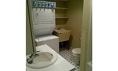 Bathroom, 767 S Front St 1F, 2