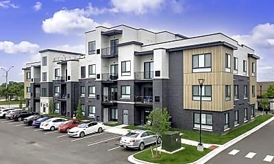 Building, 2105 E Big Beaver Rd, 0