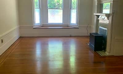 Living Room, 1815 Oak St, 1