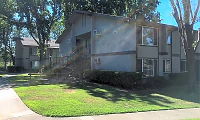 Red Bluff Apartments, 0