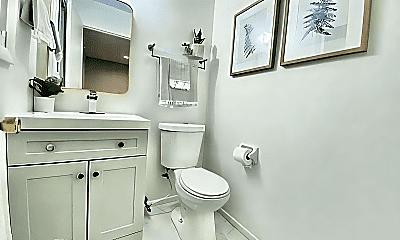 Bathroom, 1813 W Kneeland St, 1
