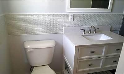 Bathroom, 3929 Las Vegas Dr, 1