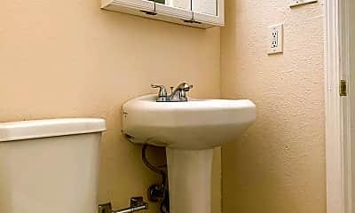 Bathroom, 220 Charleston St NE, 2