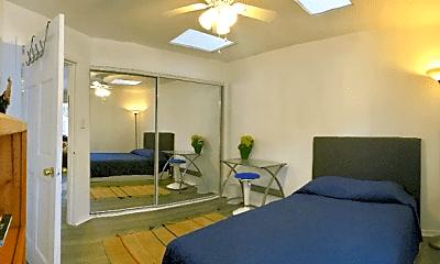 Living Room, 3621 S Bentley Ave, 1