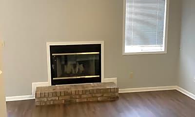 Living Room, 107 Woodfield Pl, 1