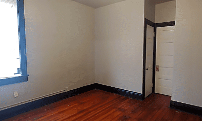 Bedroom, 2426 W Greenfield Ave, 2