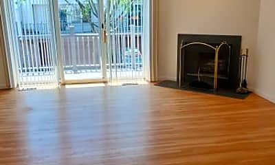 Living Room, 150 Panorama Dr, 1