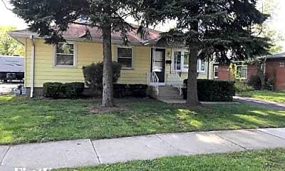Building, 17422 Community St, 1