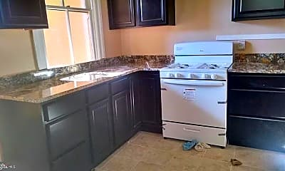 Kitchen, 2415 Edmondson Ave, 1