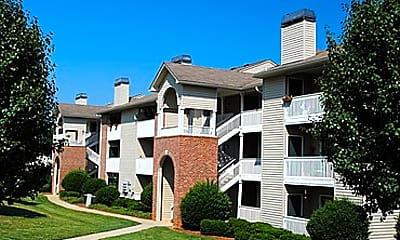 Building, Oak Pointe Apartments, 2