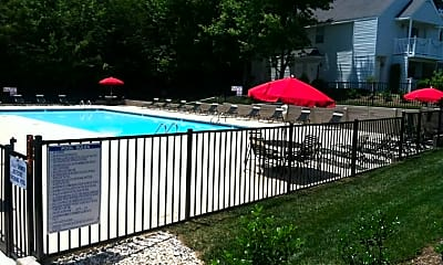Pool, Laurel Bluff Apartments & Townhomes, 0