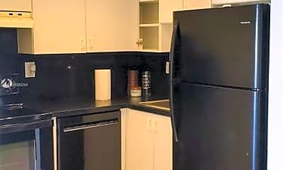 Kitchen, 7620 Carlyle Ave, 1