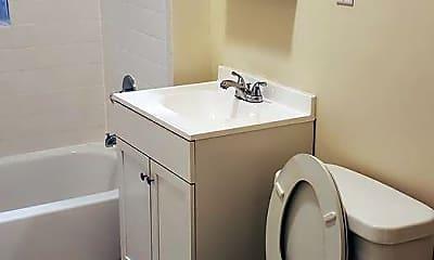 Bathroom, 3048 W Gunnison St, 2