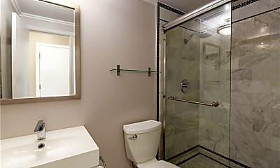 Bathroom, 217 14th Pl B, 2