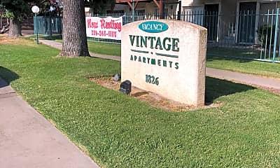 Vintage East  Vintage West, 2
