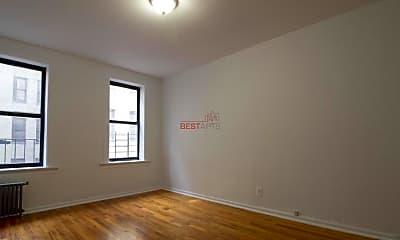 Bedroom, 700 W 175th St, 2
