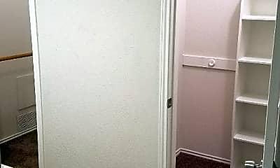 Bathroom, 1616 High Ridge Rd, 2