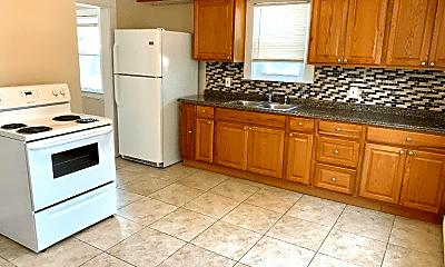 Kitchen, 104 Carrington Ave, 1