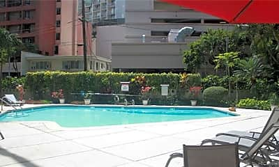 Pool, 425 Ena Rd A808, 2