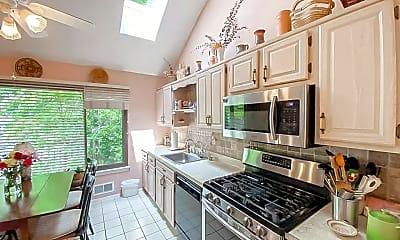 Kitchen, 1413 Green Run Ln, 1