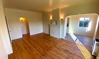 Living Room, 5351 Louis Pl, 0