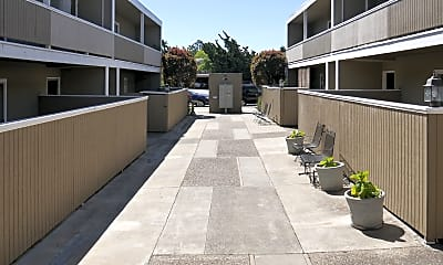 Building, 2010 Trousdale Dr, 2